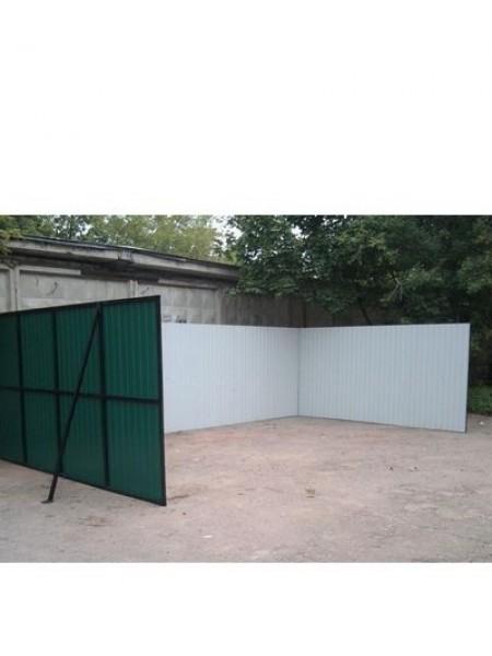 Площадка для 8 кубовых контейнеров.
